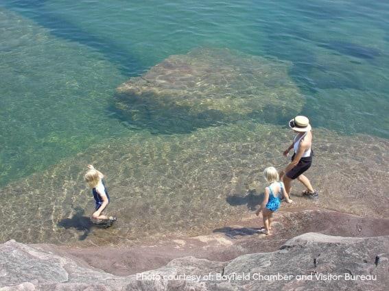 https://cdnb1.trekaroo.com/wp-content/uploads/2015/04/Madeline-Island-Wisconsin-Beach-Water-Midwest-Island-Getaway.jpg